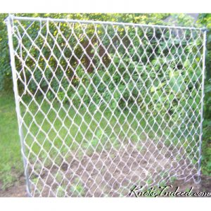 5 foot by 5 foot net trellis with 3 inch diamond meshes